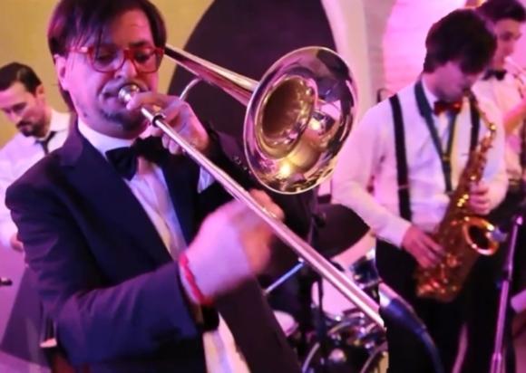 3.2 Swing Band